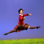 Cao Chí Thành trên sàn tập và trên sân khấu của cuộc thi Ballet quốc tế Helsinki