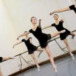 Khắt khe như học múa ballet