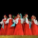 """Vũ điệu vòng tròn của những thiếu nữ Nga: """"Cây Bạch Dương"""""""