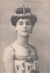 3688-200px-pharaohs-daughter-anna-pavlova-1910