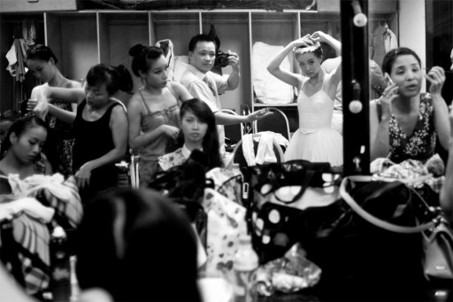 3840-i-took-this-shot-while-handing-the-hair-clip-to-thu-hue-the-prima-ballerina-at-vietnam-national-ballet-and-opera-theater-all-the-ballerinas-were-preparing-themselves-for-a-big-show