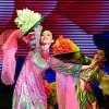 Linh Nga múa mừng Nhà hát Bông Sen hai lần nhận kỷ lục