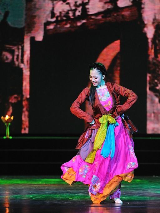 Dao lieu - Linh Nga 13
