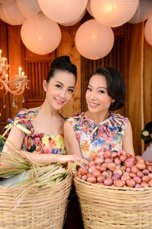 Linh Nga Thuy Chi hop bao Sac Sen 2