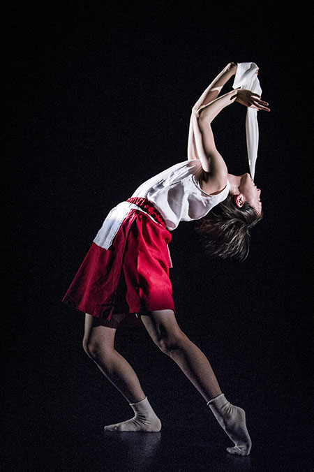 Europe-Meets-Asia-in-Contemporary-Dance-2014-2