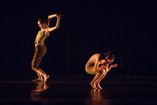 Vở múa Golem & Treseses Girls với hai diễn viên Mariko Kakizakia (Nhật Bản) và Keren Lurie Pardes (Israel)